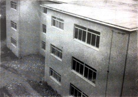 Edificio scolastico per le elementari di Borgo San Giacomo ( 1963 )