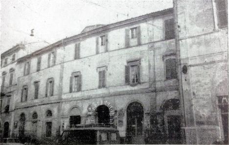 Palazzo ex Recanatesi dove doveva sorgere l'Albergo
