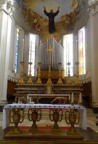 640px-Altare_San_Giuseppe_da_Copertino