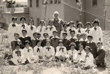 1964 maestra MONDAINI