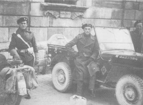 1944 soldati polacchi in piazza del comune